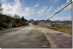 Une ville au milieu de nul part sur un petit chemin de montagne entre du côté de Lai Chau