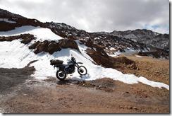 0492 - Ma moto dans la neige, Bout de la piste, Piste goudronnée, Anzal vers l'ouest, Skoura vers Taliouine