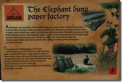 0190 - Luang Prabang, Environs Luang Prabang, Elephant Village, Explication fabrication papier dung