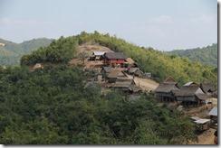 0355 - Luang Namtha vers Oudom Xay, Village