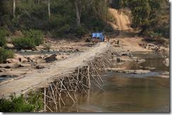 0448 - Xepon vers Salavan, Pont en bambou géant